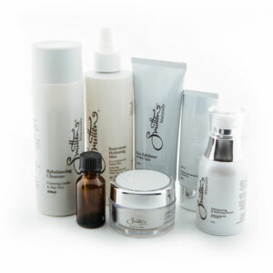 Save $60 off Refining daily skincare pack.Made to Refine and Rebalance combination skin types.